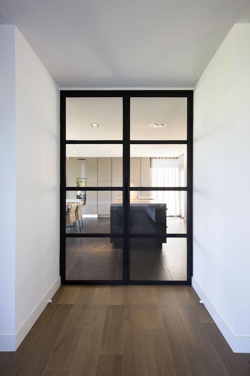 Stalen deur - Int-001